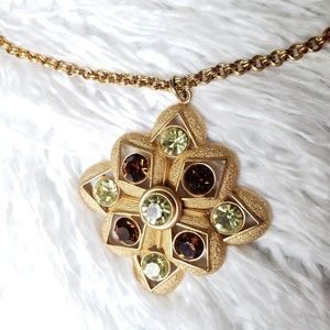 Sarah Coventry jeweled pendant necklace